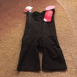 Black mid thigh bodysuit strapless spanx